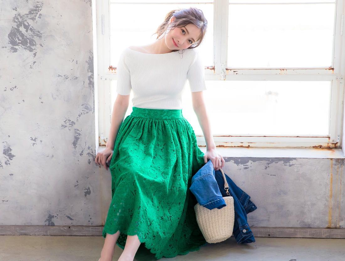 グリーンのレーススカートを着た大石絵理さん