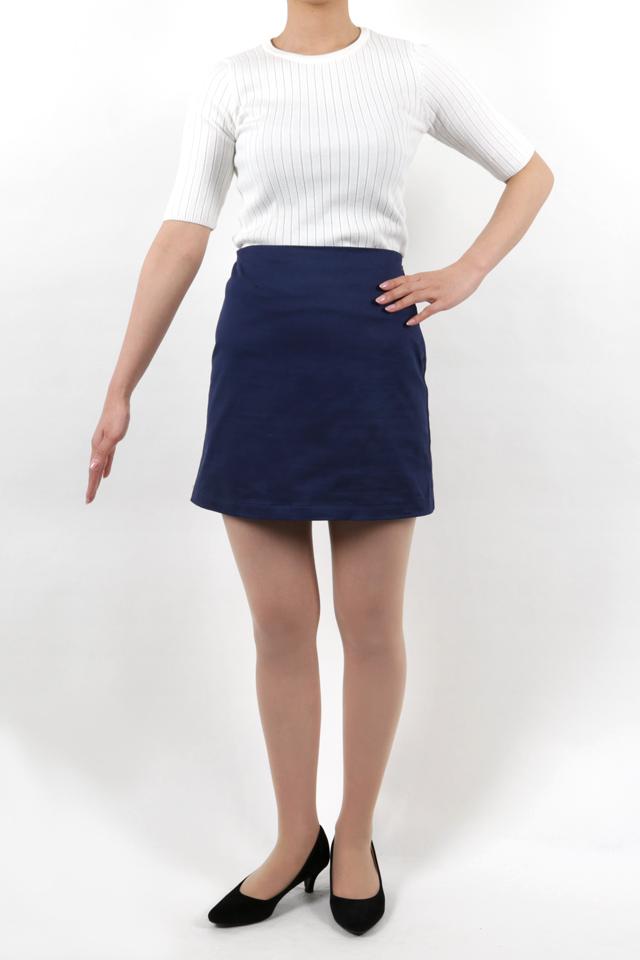 165cmのモデルが着丈41cmのスカートを着たイメージ