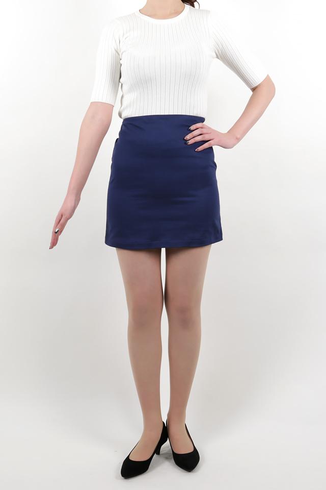 172cmのモデルが着丈41cmのスカートを着たイメージ
